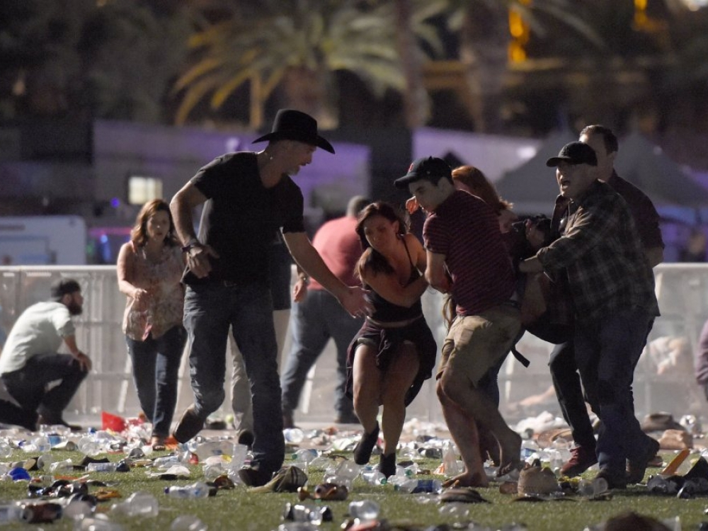 Šaudynės Las Vegase: mažiausiai 20 žmonių žuvo, dar 100 sužeista