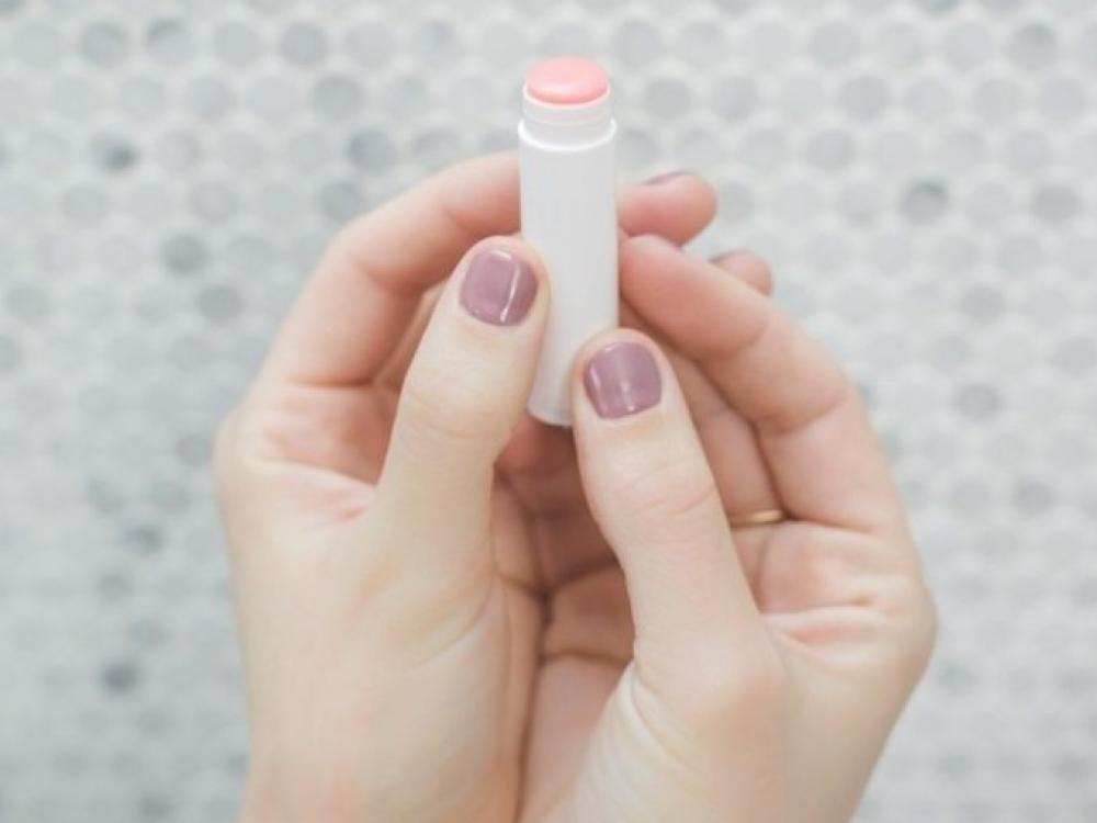 Lūpų balzamuose - kenksmingos medžiagos