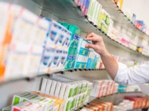 Lėtinėmis ligomis sergantiems pacientams receptinius vaistus įsigyti bus lengviau