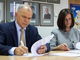 Sveikatos apsaugos ministerija pasirašė sutartį su farmacijos pramonės atstovais