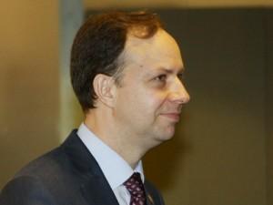 Aurelijus Veryga sako, kad nekyla abejonių dėl medikų algų kėlimo 20 proc. nuo gegužės
