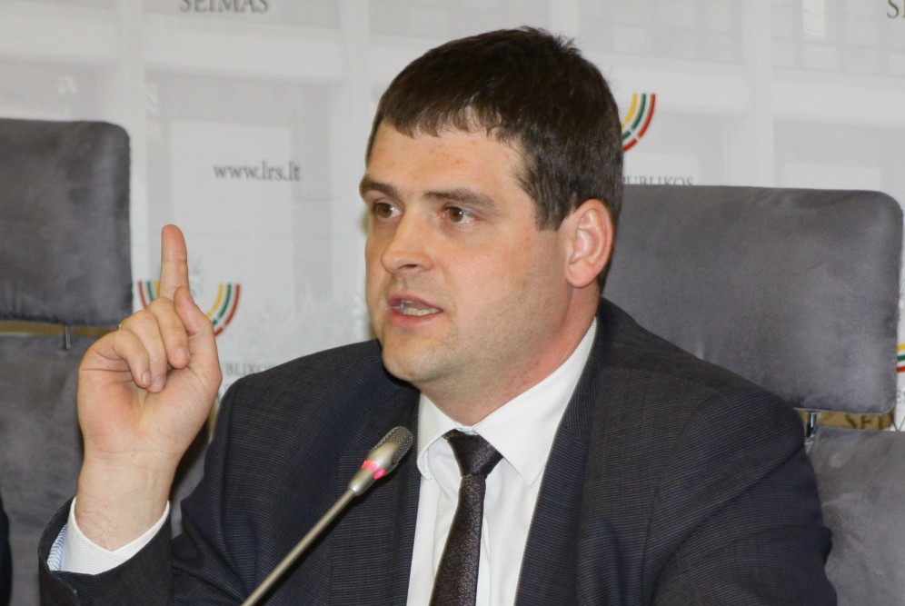 """R.Žemaitaitis: """"Nemanau, kad asmuo, kuris ne kartą ir ne du naudojo lytinę prievartą prieš nepilnamečius, yra lygiateisis mūsų bendruomenės narys"""""""