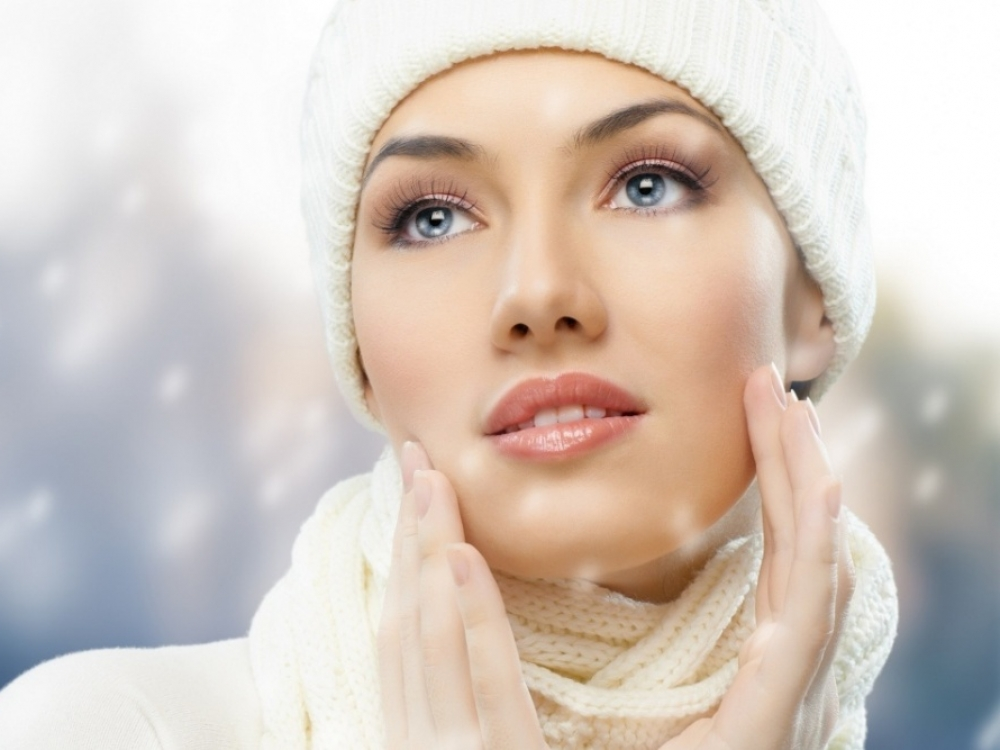 Procedūros, padėsiančios atgaivinti odą po švenčių