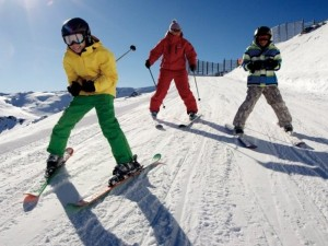 Kaip sumažinti traumų tikimybę slidinėjant kalnuose
