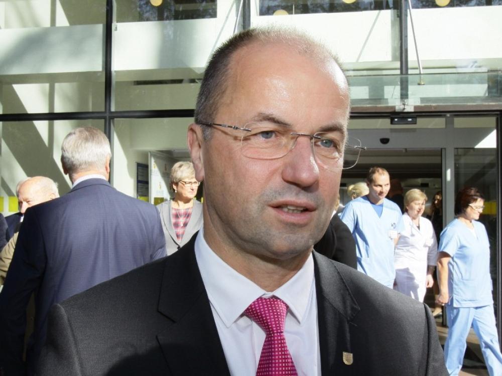 LSU sprendimas laikinai stabdyti derybas pertvarkos nestabdys, tvirtina LSMU vadovas R.Žaliūnas