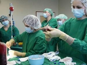 SAM: transplantacijų paslaugas teikiančios įstaigos gali laisvai ieškoti donorų svetur