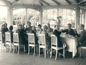 Mityba tarpukariu: kam cepelinai, kam – duonos kriaukšlė