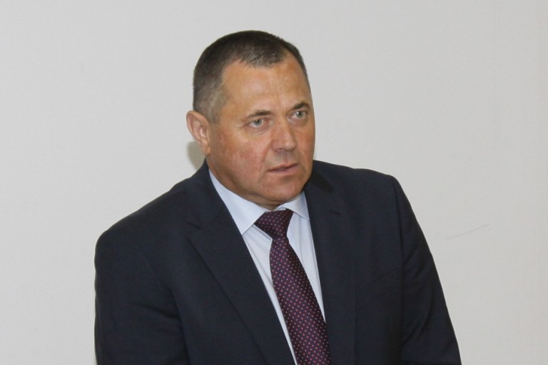 Teisiamo direktoriaus prie ligoninės vairo nebeprileidžia