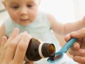 Karščiuojantis vaikas: kada griebtis vaistų?