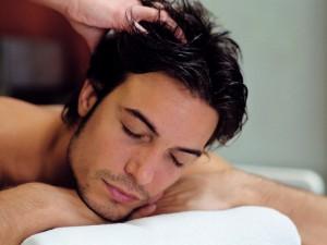 Plaukų plikimas – kaip jį pažaboti?