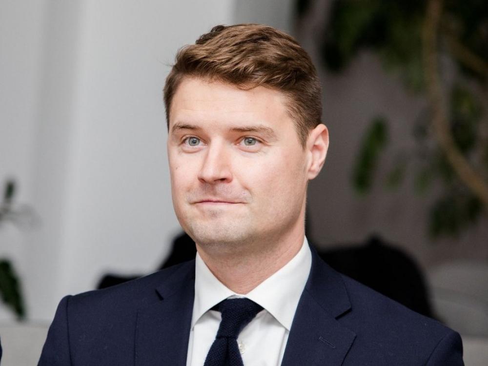 Nederamu seksualiniu elgesiu apkaltintas Mykolas Majauskas stabdo narystę partijoje