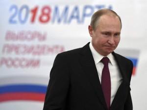 Rinkimus laimėjusio Putino laukia nauja užduotis: kas bus toliau?