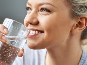 "Geriant daugiau vandens ""tirpsta"" kilogramai"