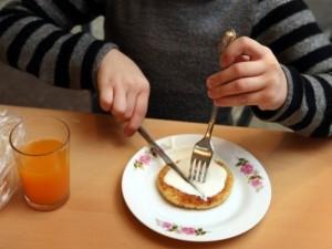 """Dėmesys vaikų mitybai - eilinė """"piaro"""" akcija?"""