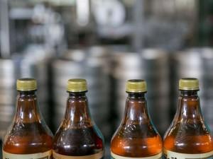 """Svarstomi siūlymai drausti """"bambalinį"""" alų"""