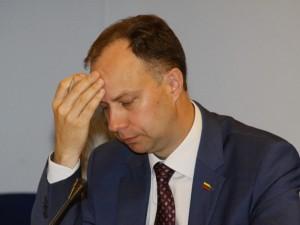 A.Veryga ragina prieš skiriant gydymo įstaigų padalinių vadovus tikrinti juos STT