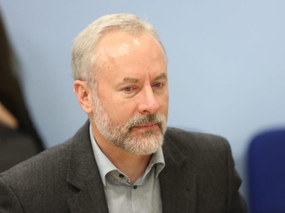 Jurgis Razma siūlo į prekybos centrus vaistų neįleisti