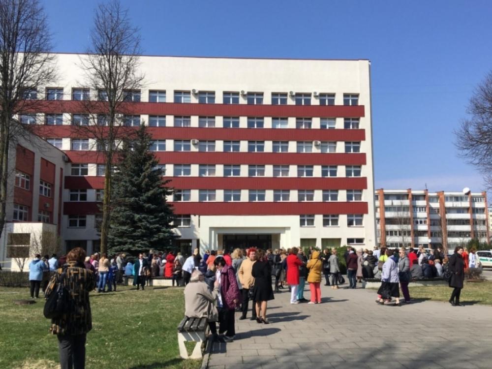 """Planas """"Skydas"""" Kauno poliklinikoje: pranešta, kad padėtas sprogmuo"""