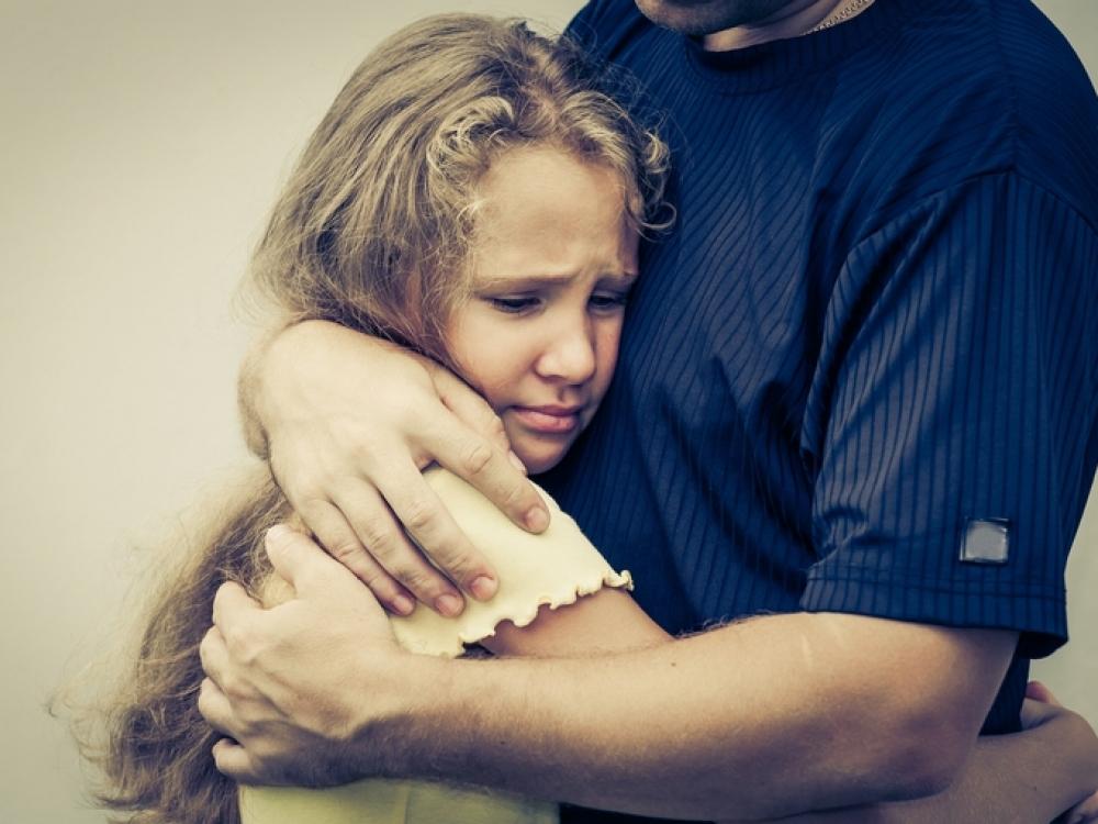 Kaip padėti vaikui išgyventi artimojo netektį