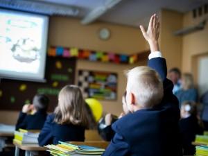 Vaikų psichiatras: žinių vertinimams trūksta blaivaus požiūrio