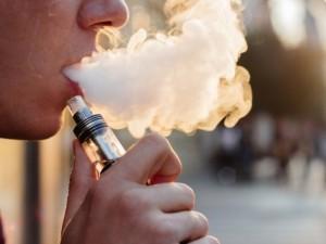 Elektroninės cigaretės – sveikesnė alternatyva?