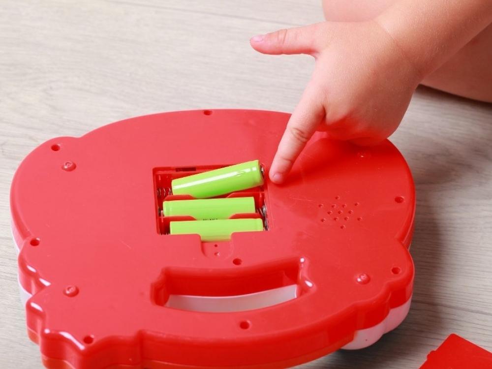 Baterijos gali negrįžtamai sužaloti vaikus