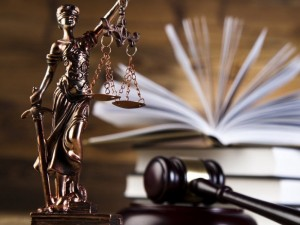 Neteisėtų skiepų byloje prokuratūra prašo griežtinti bausmę