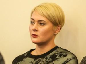 Piktnaudžiavimu kaltinamą D.Gineikaitę siūloma bausti 22,5 tūkst. eurų bauda