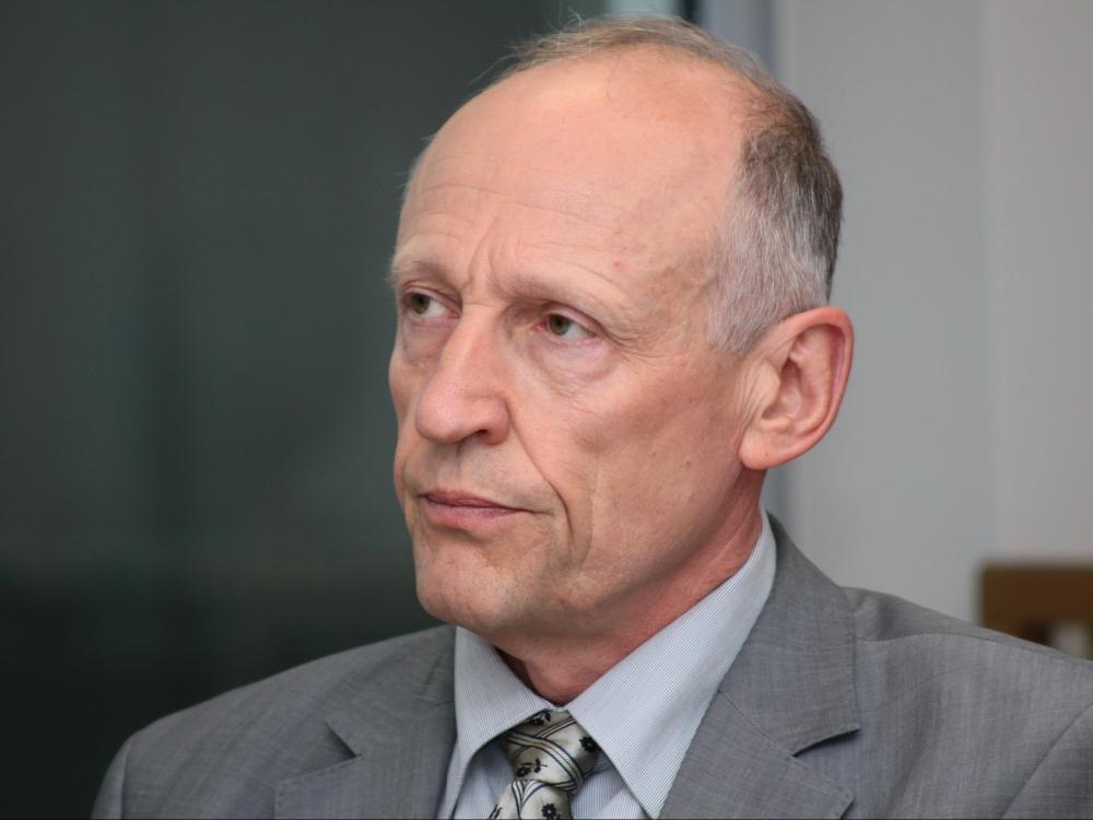Teismas į pareigas grąžina dėl piktnaudžiavimo išteisintą VLK vadovą A.Sasnauską