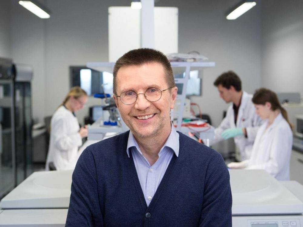 Žingsniu arčiau Nobelio: Vilniaus universiteto profesorius V. Šikšnys įvertintas elitine Kavli premija