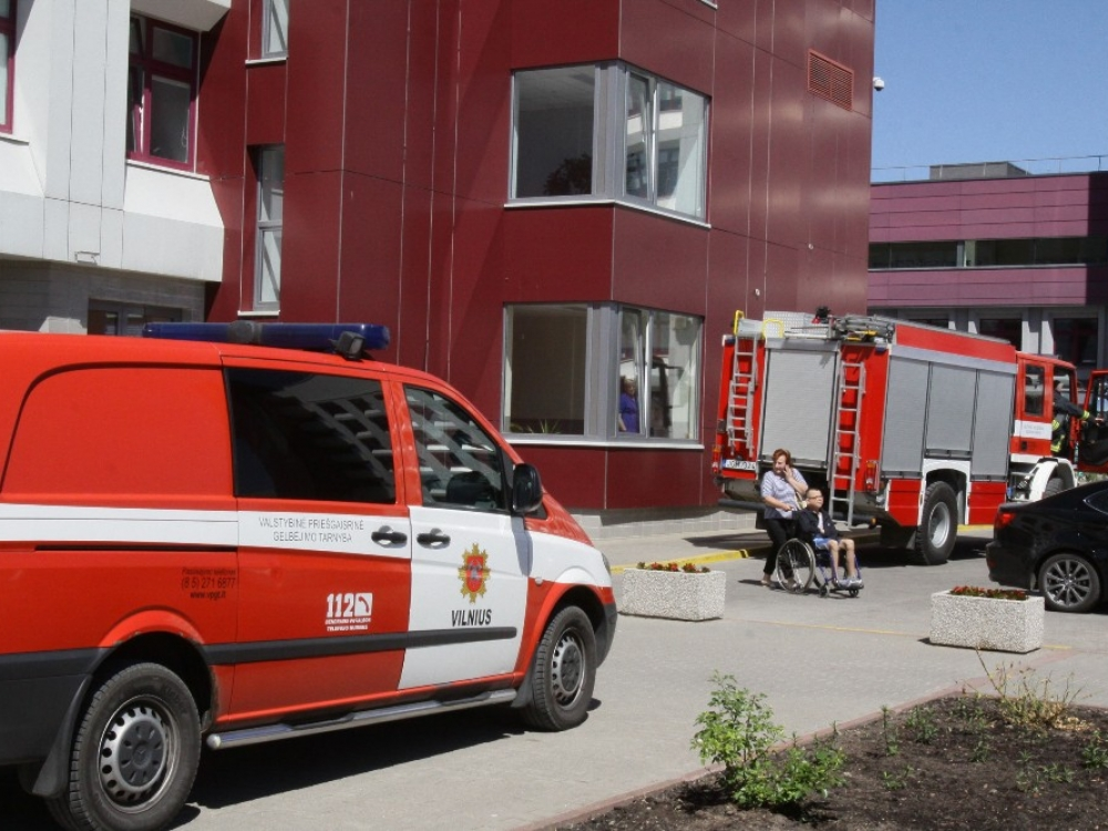 Gaisrą Santaros klinikose likvidavo patys darbuotojai