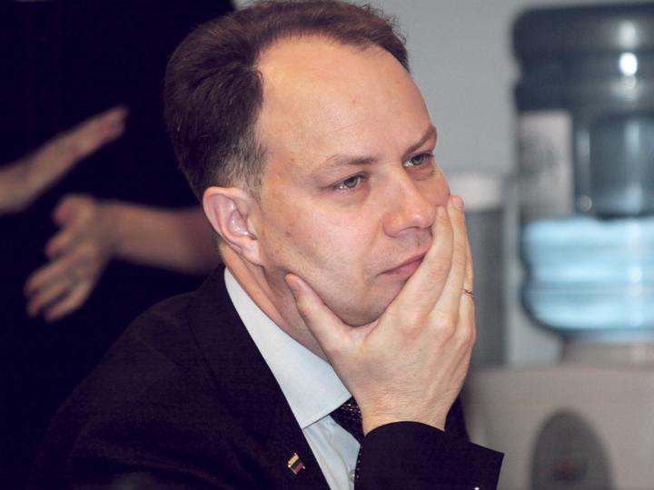 Ministras žada aiškintis su medikų algų nepakėlusiomis įstaigomis