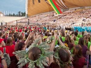Dainų šventėje sunegalavusiems talkina ir savanoriai