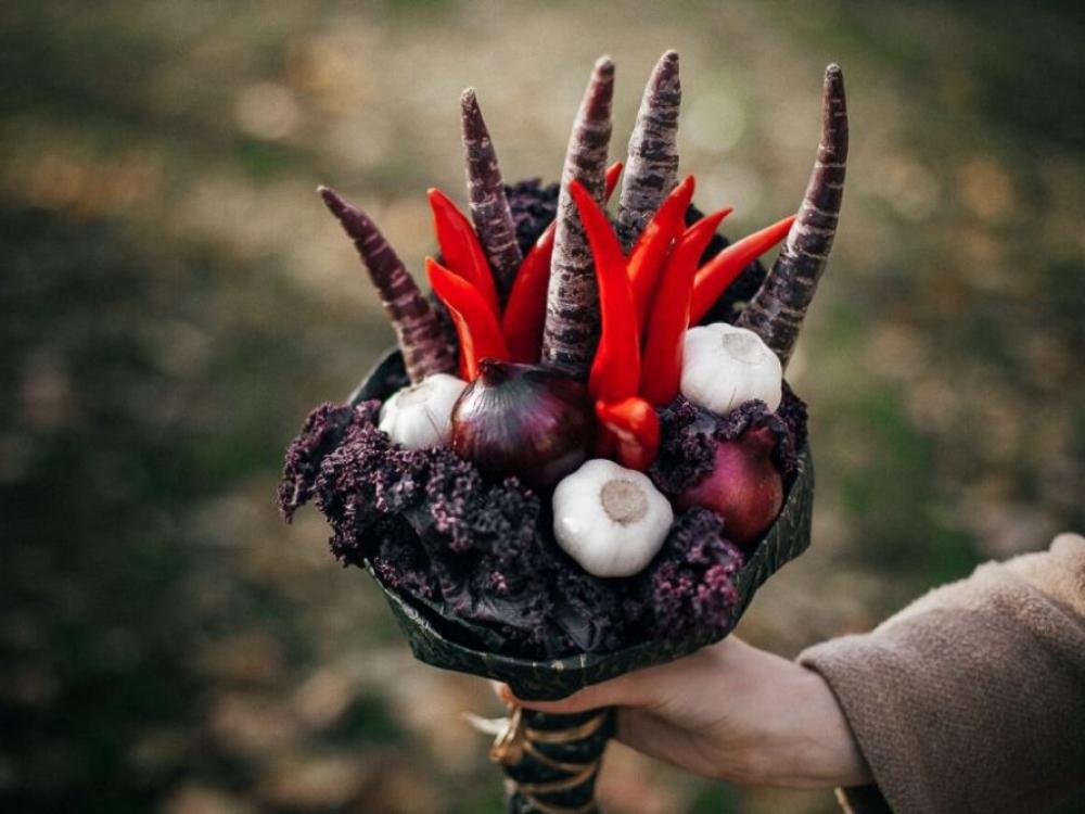 Vasaros topas: puokštės iš vaisių ir daržovių