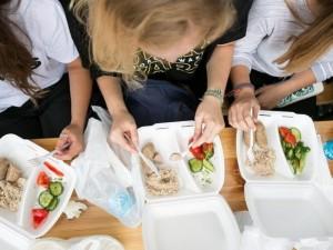 Baudos  dėl maitinimo Dainų šventėje gali siekti 40 tūkst. eurų