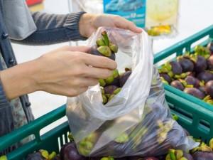 Idėja mažinti plastiko maišelių naudojimą patinka ne visiems
