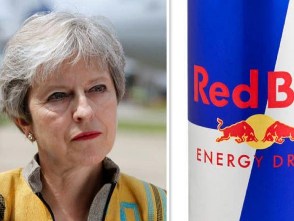 Britanija svarsto galimybę uždrausti vaikams parduoti energinius gėrimus
