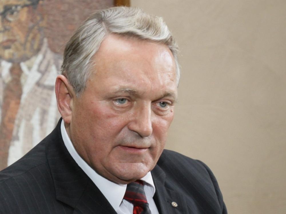 Buvęs Šiaulių ligoninės vadovas P.Simavičius prašo jo atleidimą pripažinti neteisėtu