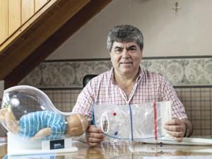 Automechanikas iš Argentinos sukūrė įrenginį, padėsiantį gimti saugiau