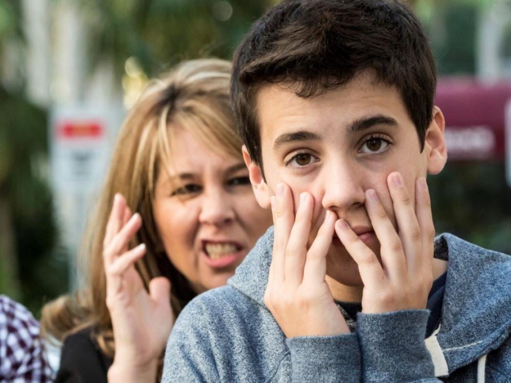Būkime atviri: tai paaugliai turi problemų su suaugusiais