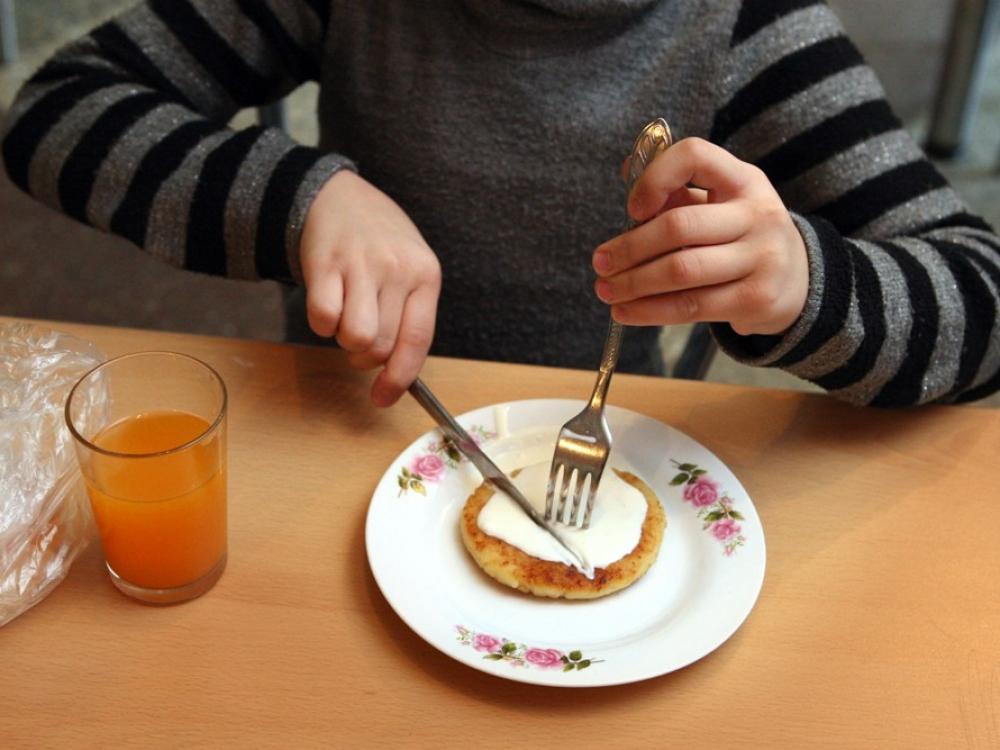 Siūloma didinti nemokamam mokinių maitinimui skiriamas lėšas