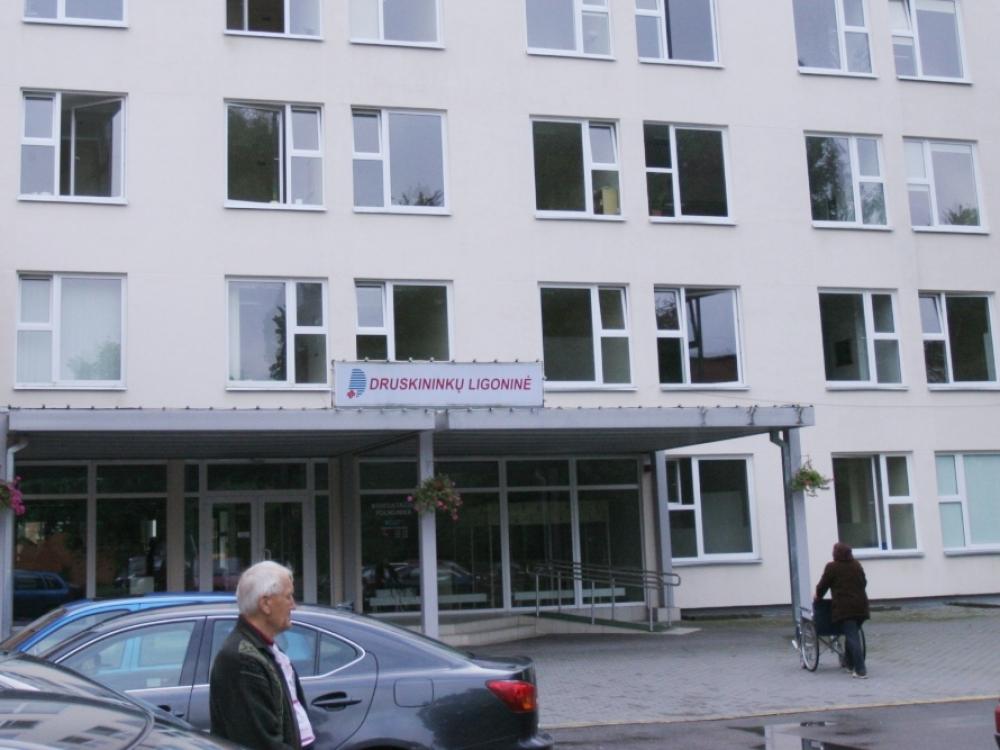 E. sveikatos sistema nesinaudojantiems Druskininkų medikams įvestos piniginės baudos
