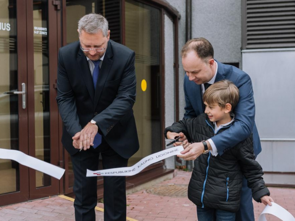 Duris atvėrė kardinaliai atsinaujinę Krikščioniškieji gimdymo namai