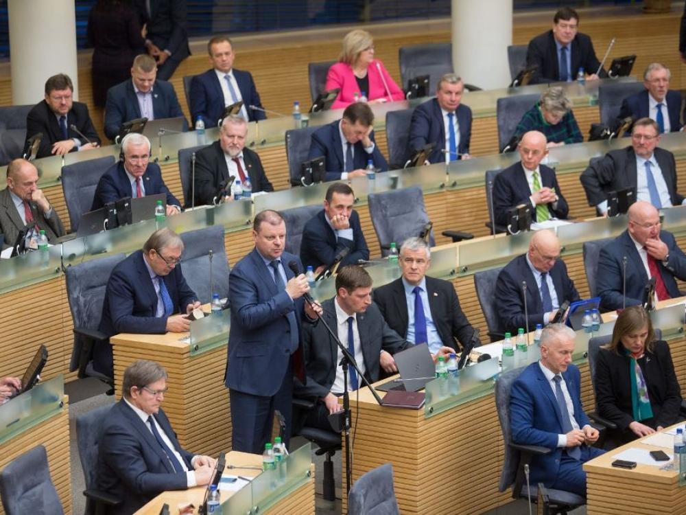 Per kitų metų biudžeto svarstymą – valdančių pagyros ir opozicijos kritika