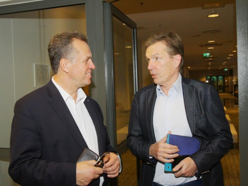 c7f8386bfd48 Gydytojas ginekologas prof. Frank Lüdicke (nuotr. dešinėje)