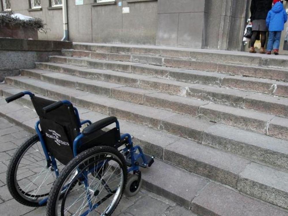 Tyrė pastatų pritaikymą neįgaliesiems