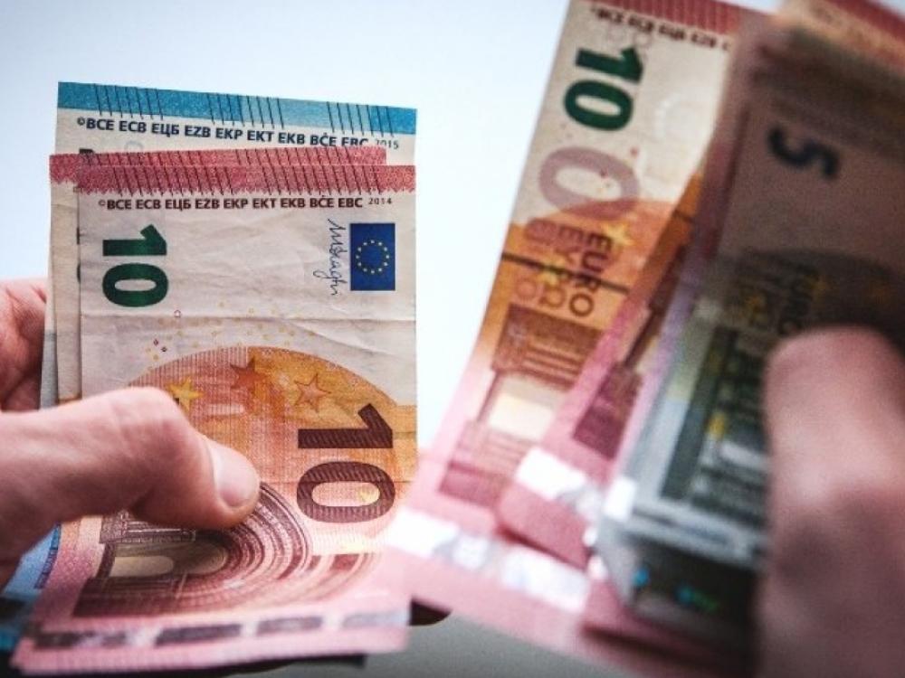 SAM gydytojams rezidentams išmokės vienkartines 227 eurų išmokas