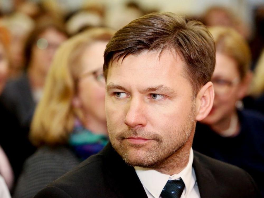 """Andrius Navickas: mokytojai turėdavo """"išsimušinėti"""" atlyginimą"""