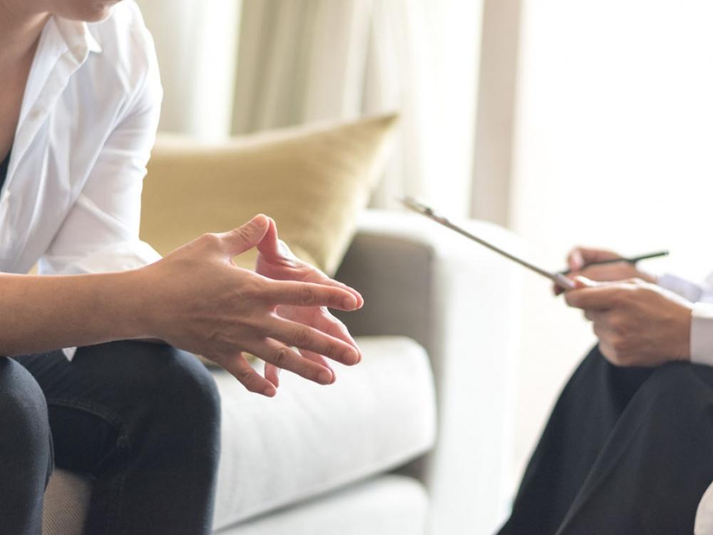 Naujas įstatymas pirmenybę teikia psichoterapijai, ne vaistams